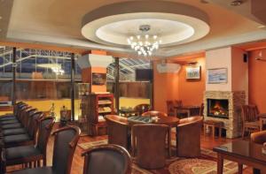 Bar und Lounge im Hotel Dostojewski