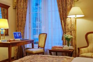 Schreibtisch im Grand Hotel Emerald