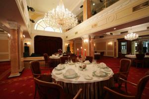 Restaurant im Grand Hotel Emerald