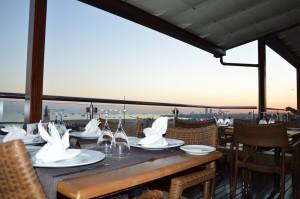 Restaurant mit Blick auf das Marmarameer.