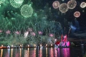 Feuerwerk über der Newa