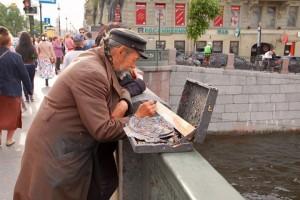 Kunden fotografieren: Straßenkünstler in St. Petersburg