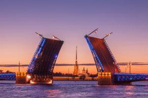 Weiße Nächte in St. Petersburg -Schlossbrücke - WM 2018