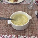 Russische Küche: Nudelsuppe